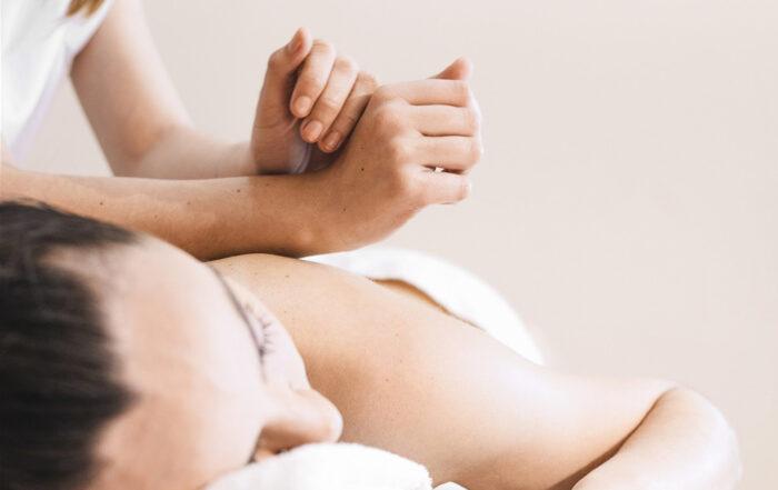 Ancient Thai Yoga Massage med Louise Juel Severin